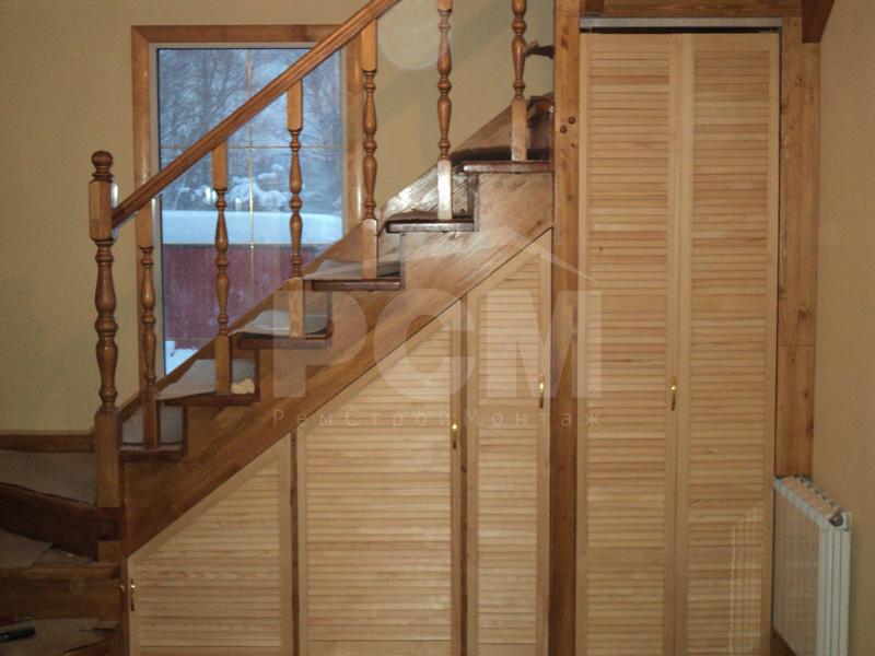 Шкаф под лестницей своими руками на дачи